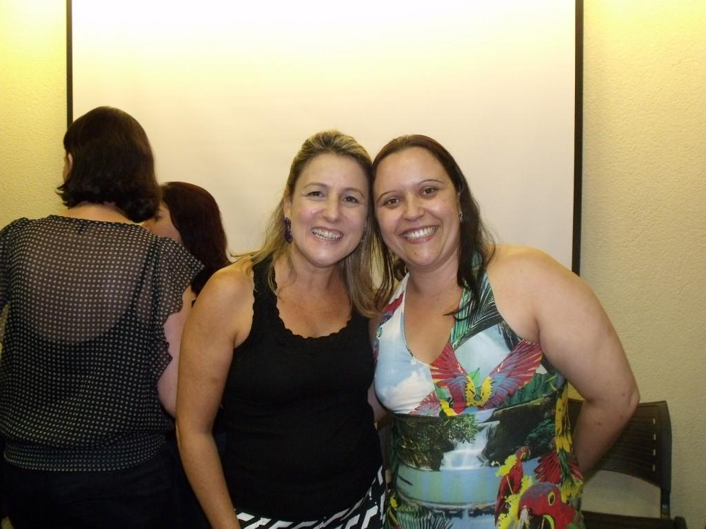 A engajada e linda blogueira Ana Paula do blog Livros de Elite